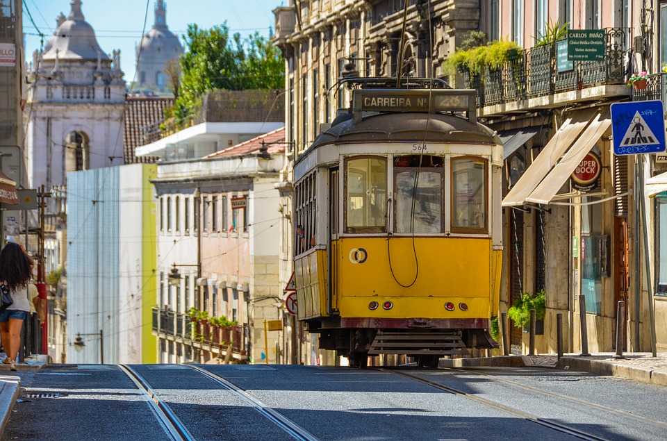 žlutá tramva